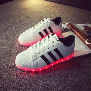 chaussure led femme adidas