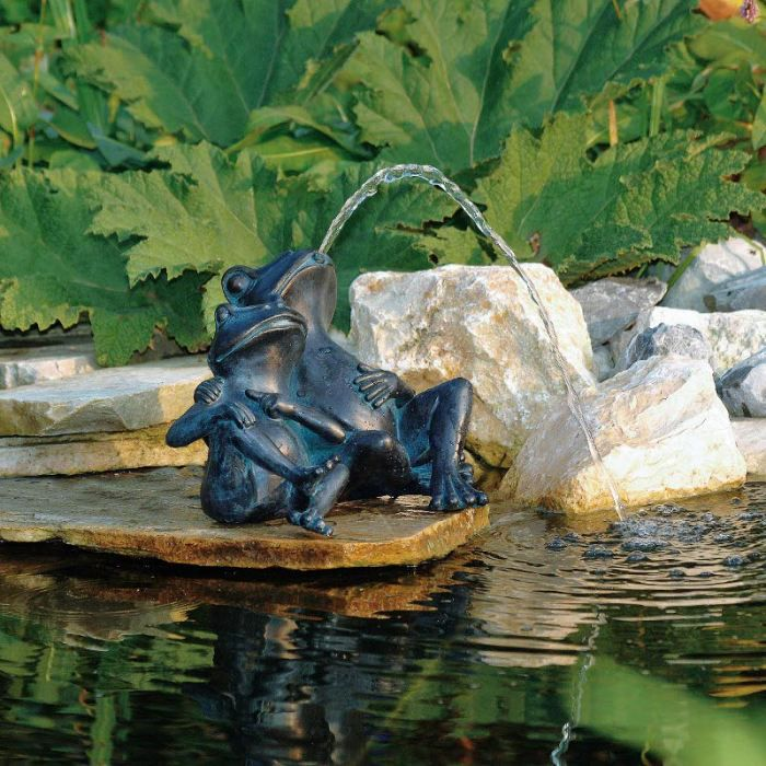 Deux grenouilles pour d coration de bassin de j achat - Acheter bassin de jardin ...