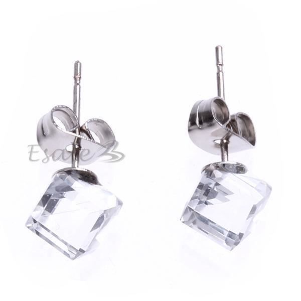 boucles d 39 oreille clou en verre cube transparen achat. Black Bedroom Furniture Sets. Home Design Ideas