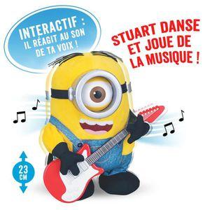 LES MINIONS Peluche Sing`n`Dance Stuart 23 cm