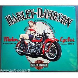 Deco plaques fer ou plaque emaillee  Plaque-publicitaire-harley-davidson-pin-up-mot