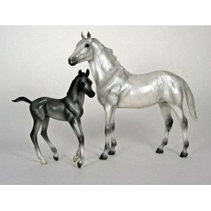 FIGURINE - PERSONNAGE Breyer Classic Pur Sang & Poulain