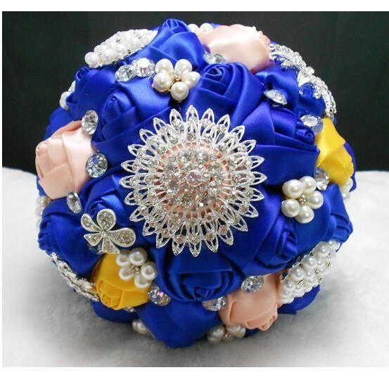 bouquet de mari e roses fleurs artificielles pour mariage. Black Bedroom Furniture Sets. Home Design Ideas