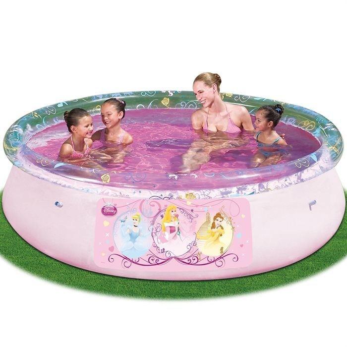 Infos sur piscine geante gonflable disney arts et voyages for Piscine gonflable geante