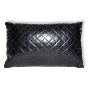 coussin cuir noir achat vente coussin cuir noir pas cher soldes cdiscount. Black Bedroom Furniture Sets. Home Design Ideas