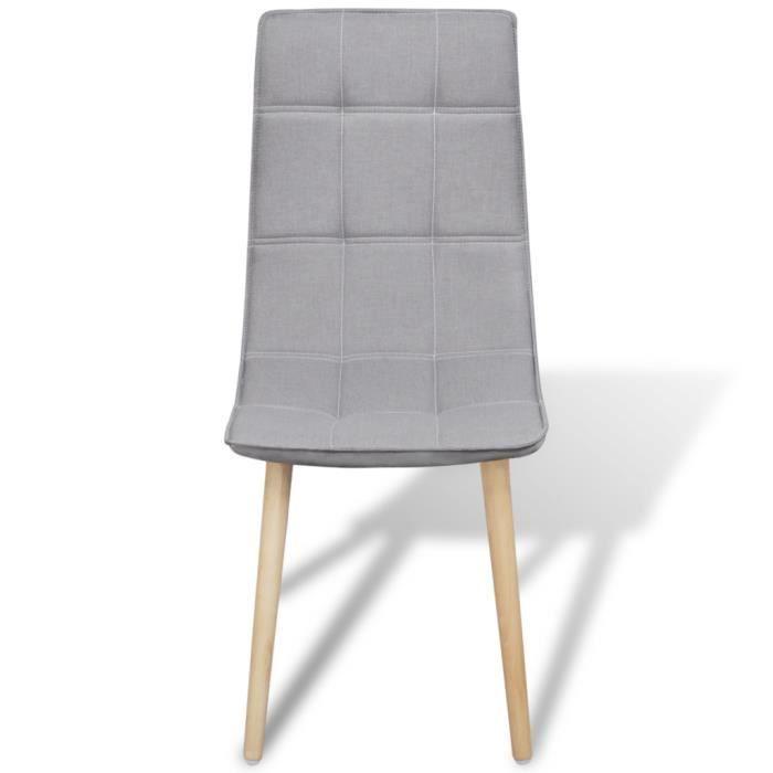Ce set de chaises de salle manger d 39 un design for Chaise confortable salle a manger