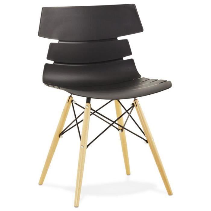 D 39 un style original la chaise scandinave cony de couleur noir est r sistante ses pieds en bois - Prix d un rempaillage de chaise ...