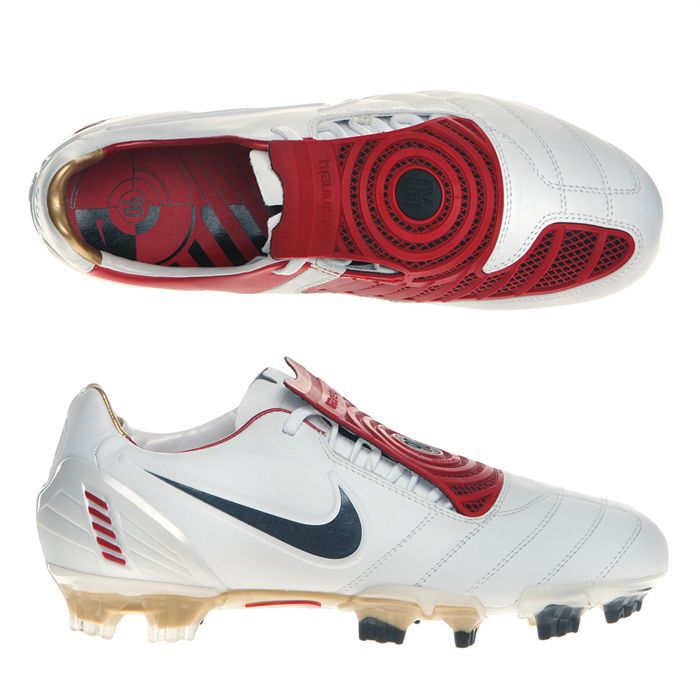 chaussure de foot nike total 90 laser