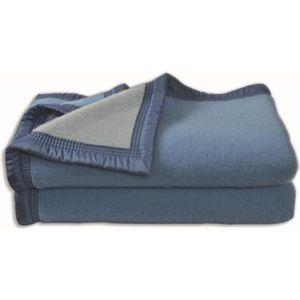 couverture laine achat vente couverture laine pas cher soldes d hiver d s le 11 janvier. Black Bedroom Furniture Sets. Home Design Ideas