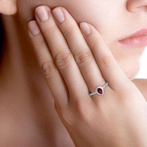 Bague poire en Or blanc 375/00, diamants et rubis