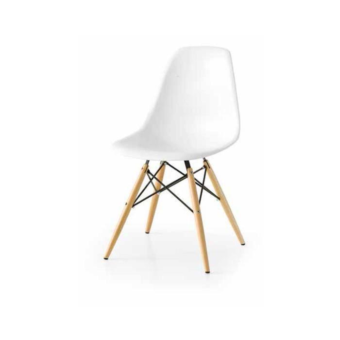 Chaise avec assise en plastique et pieds en bois et acier for Chaise plastique bois