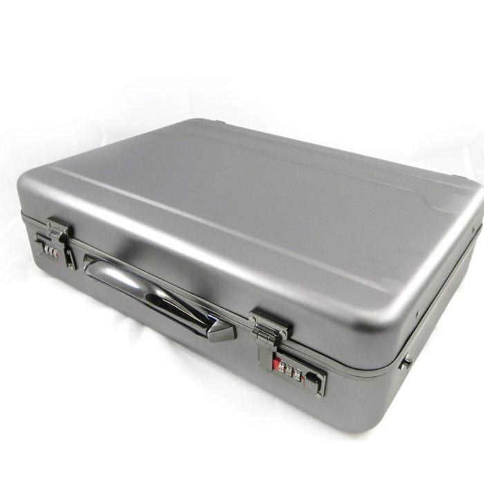 Attache case metallique