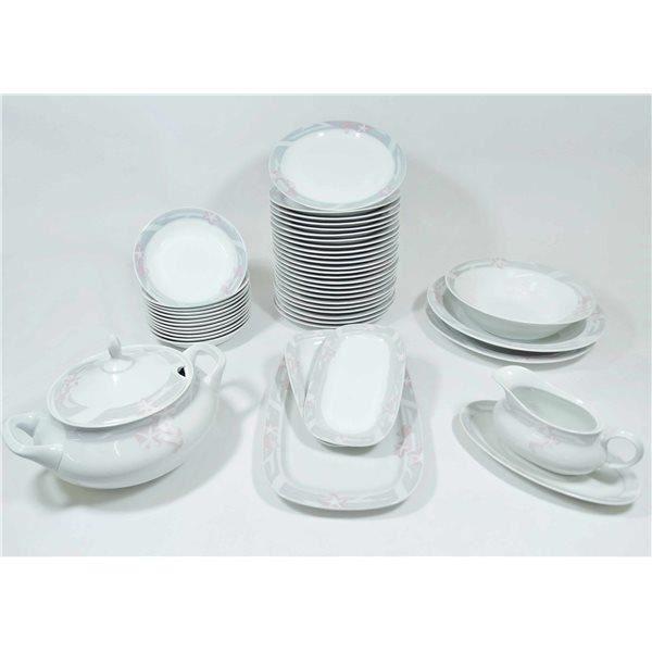 service de table vaisselle en porcelaine de boheme pour 12 personnes achat vente service. Black Bedroom Furniture Sets. Home Design Ideas