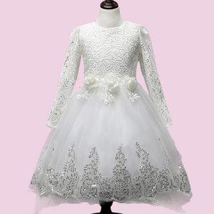 robe de mariee manche longue avec traine achat vente robe de mariee manche longue avec. Black Bedroom Furniture Sets. Home Design Ideas