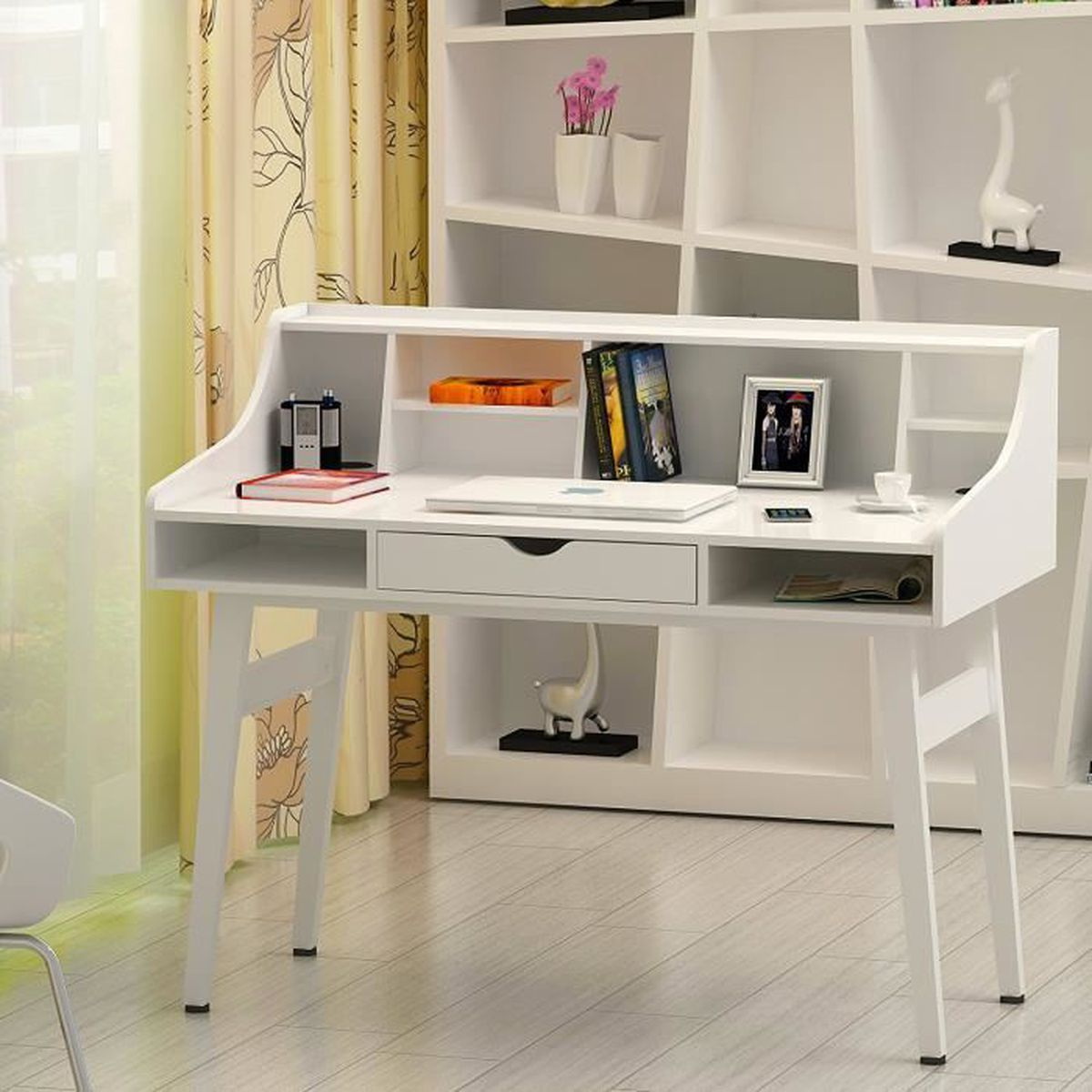 excellent bureau coiffeuse pas cher table coiffeuse achat vente table with bureau coiffeuse ikea. Black Bedroom Furniture Sets. Home Design Ideas