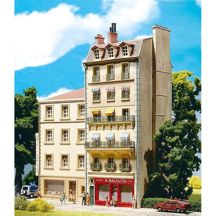 Mod lisme immeuble de ville style fran ais achat for Piscine entre 2 immeubles