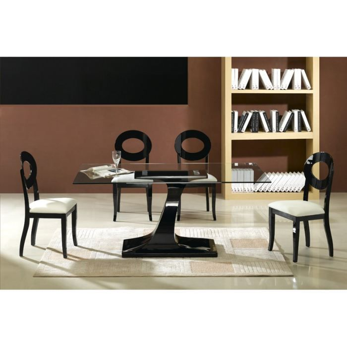 Object moved for Table a manger noir laque
