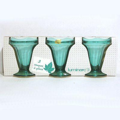 pack de 3 coupes de 22 5 cl pied glace ou fruits en verre color dans la masse turquoise. Black Bedroom Furniture Sets. Home Design Ideas