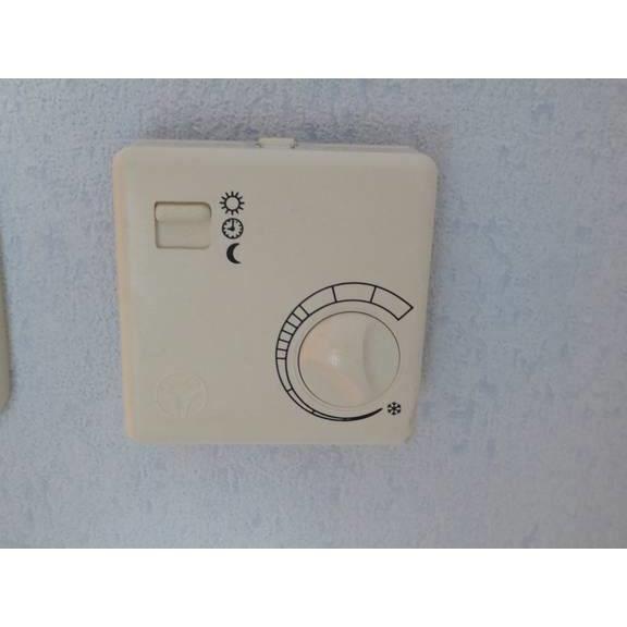 thermostat velta rf d12 pour regulation piece par achat vente pi ce chauffage clim. Black Bedroom Furniture Sets. Home Design Ideas