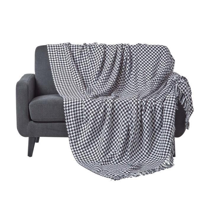 Jet de lit ou de canap figure g om trique noir 150 x 200 for Jete de canape noir
