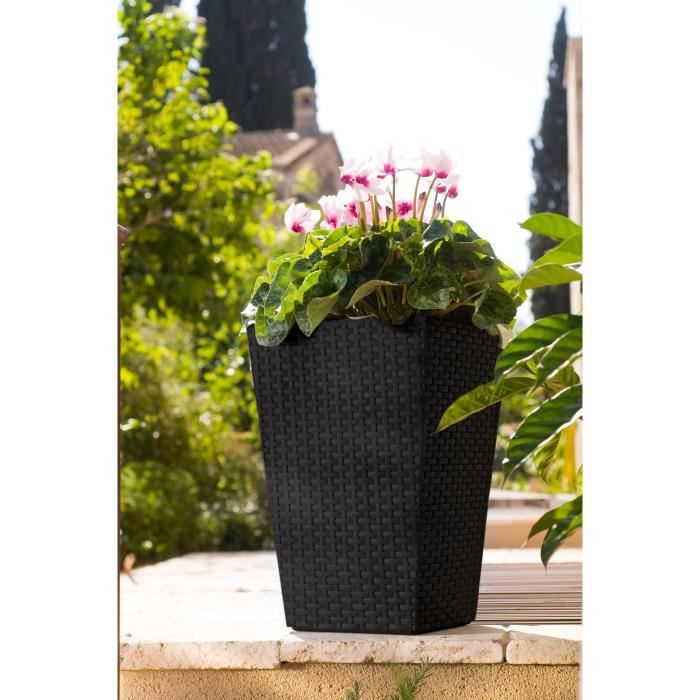 Rattan style planter pot petit format 24 litres r sine for Pots en resine jardin