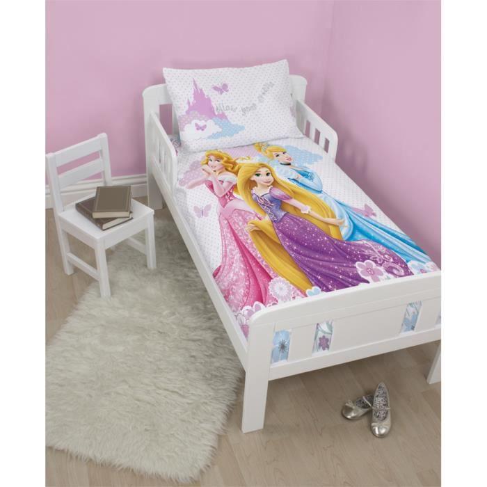 parure de lit junior disney princess dreams achat vente parure de couette cdiscount. Black Bedroom Furniture Sets. Home Design Ideas