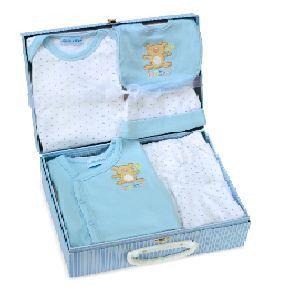 cadeau naissance valise de b b 3 mois bleue achat vente coffret cadeau textile la valise de. Black Bedroom Furniture Sets. Home Design Ideas