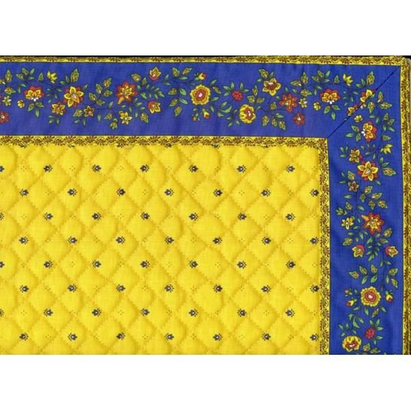 Chemin de table cadr matelass exclusif jaune achat for Set de table matelasse
