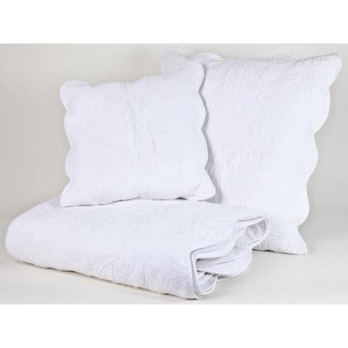 boutis couvre lit voluta blanc 250x270 achat vente jet e de lit boutis cdiscount. Black Bedroom Furniture Sets. Home Design Ideas