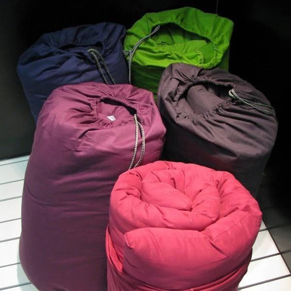 matelas futon de voyage 30 coloris achat vente futon soldes cdiscount. Black Bedroom Furniture Sets. Home Design Ideas
