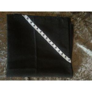 Serviette tete de mort achat vente serviette tete de for Serviette de table noir