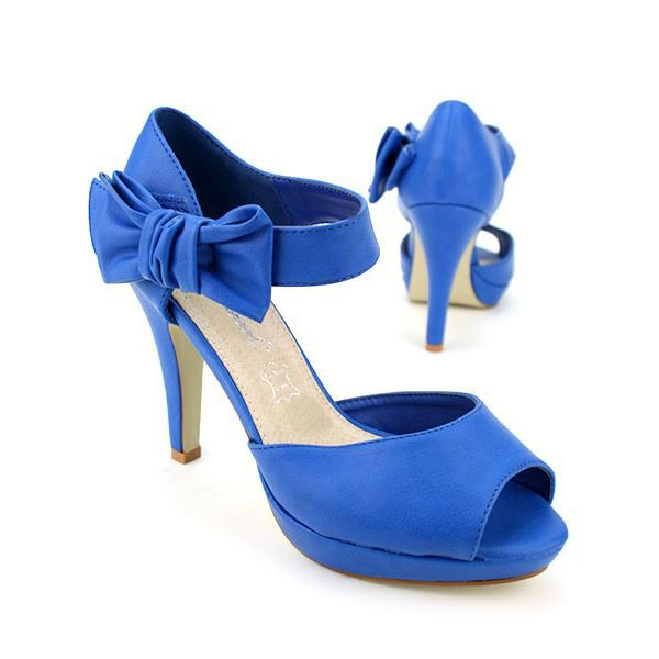 Chaussures bleues fille
