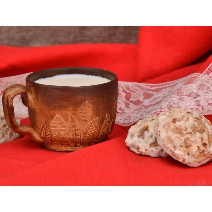 la tasse en c ramique est faite avec la technique sp ciale de cuisson en lait et peinte la. Black Bedroom Furniture Sets. Home Design Ideas