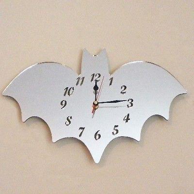 horloge dans la forme d 39 une chauve souris 30cm x 20cm achat vente horloge cdiscount. Black Bedroom Furniture Sets. Home Design Ideas