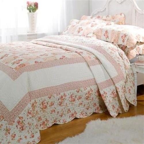 parure couvre lit matelass 2 personnes lille lilas. Black Bedroom Furniture Sets. Home Design Ideas