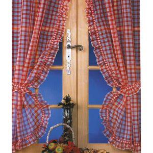 maison r rideaux a carreaux