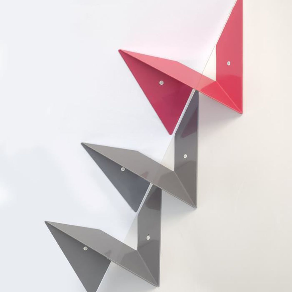 etagere d'angle murale rouge