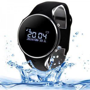 Ce bracelet connecté Bluetooth au design de montre classique est une extension de votre smartphone. Reliée en Bluetooth à votre s...