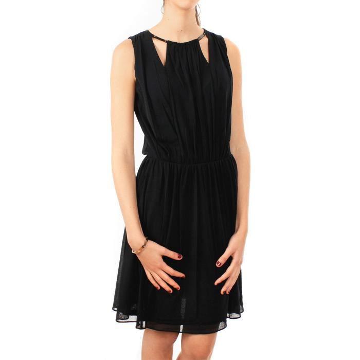 belles robes blog robe guess noir et blanche. Black Bedroom Furniture Sets. Home Design Ideas