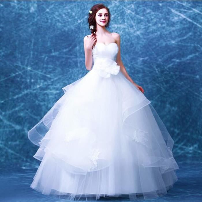 robe blanche a un mariage la mode des robes de france. Black Bedroom Furniture Sets. Home Design Ideas