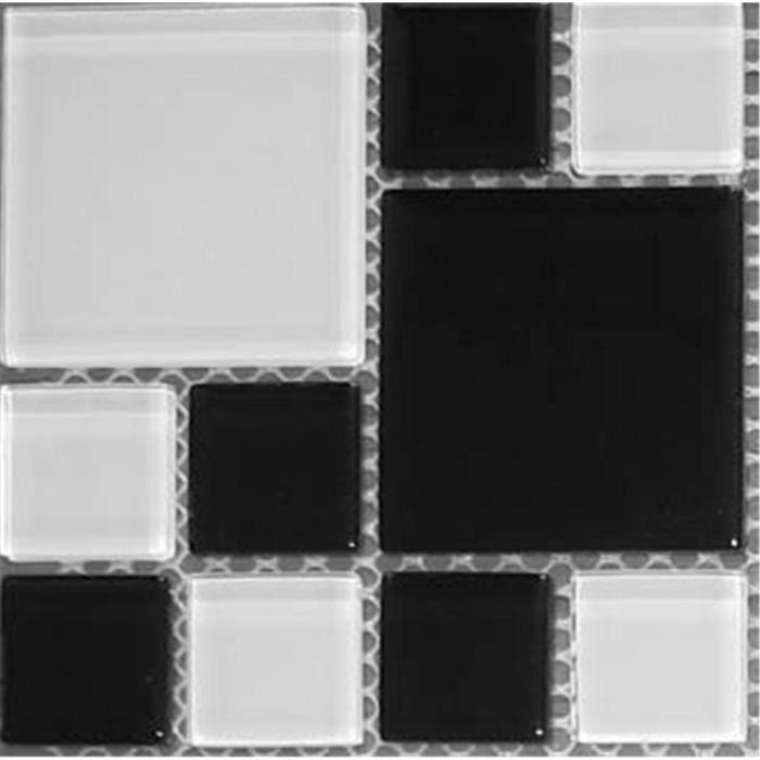 Carrelage mosa que en verre noir et blanc offre propos e for Carrelage mosaique blanc