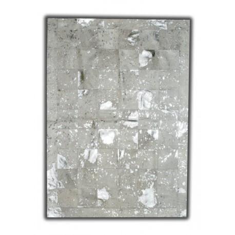 tapis-argente-sur-peau-de-vache-naturelle-patchwor.jpg