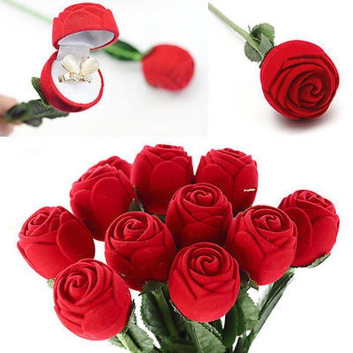 l 39 engagement de rose rouge mariage pendentifs bijoux bo te. Black Bedroom Furniture Sets. Home Design Ideas