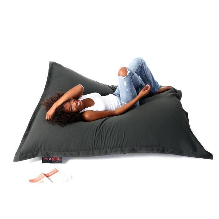 miliboo pouf g ant design coton gris anthracite big milibag a la fois pratique d coratif et. Black Bedroom Furniture Sets. Home Design Ideas