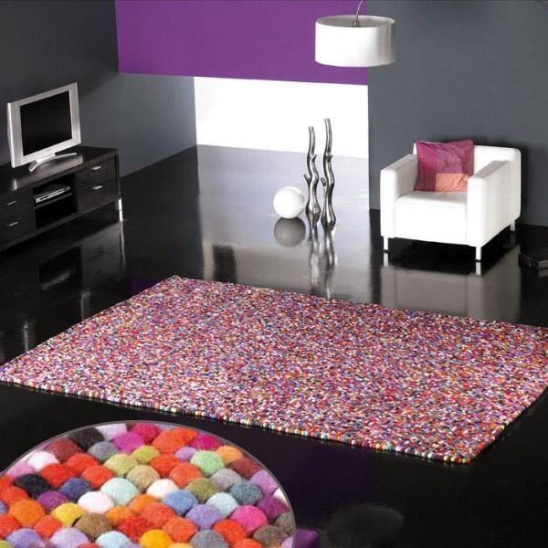 tapis design balls boules de laines multicolore par. Black Bedroom Furniture Sets. Home Design Ideas