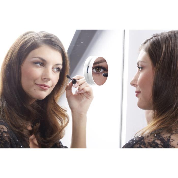 Miroir mural grossissant x10 dot de ventouses pour une for Fixation pour miroir mural