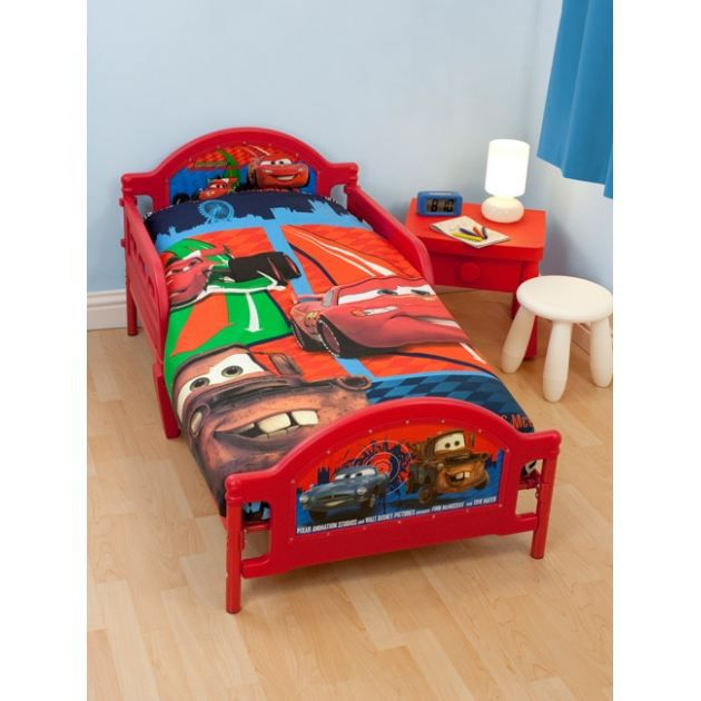 disney cars 2 housse de couette pour petit lit achat. Black Bedroom Furniture Sets. Home Design Ideas