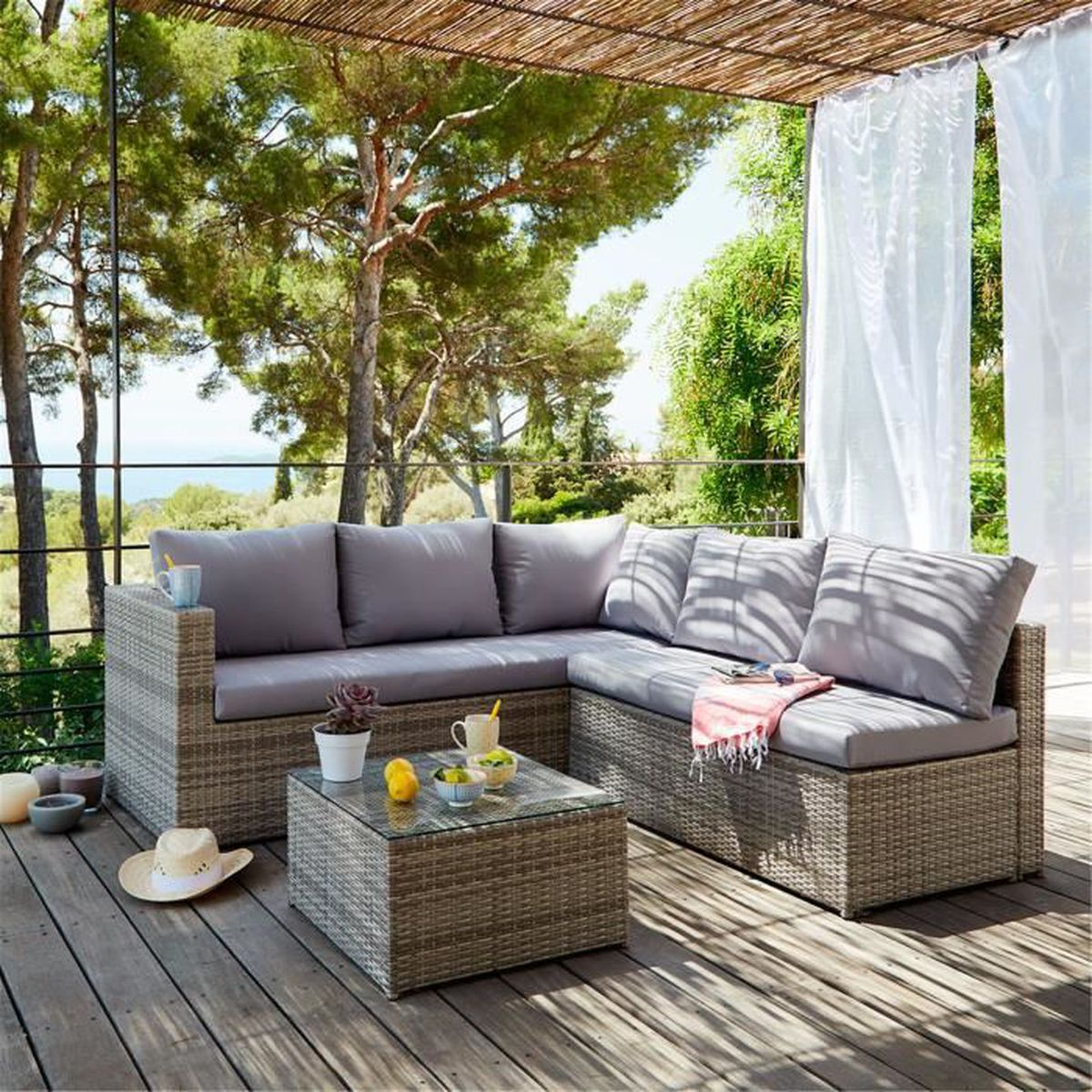 beautiful salon de jardin chloe design photos awesome interior home satellite. Black Bedroom Furniture Sets. Home Design Ideas