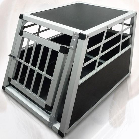 cage de transport pour chiens caisse bo te de transport. Black Bedroom Furniture Sets. Home Design Ideas