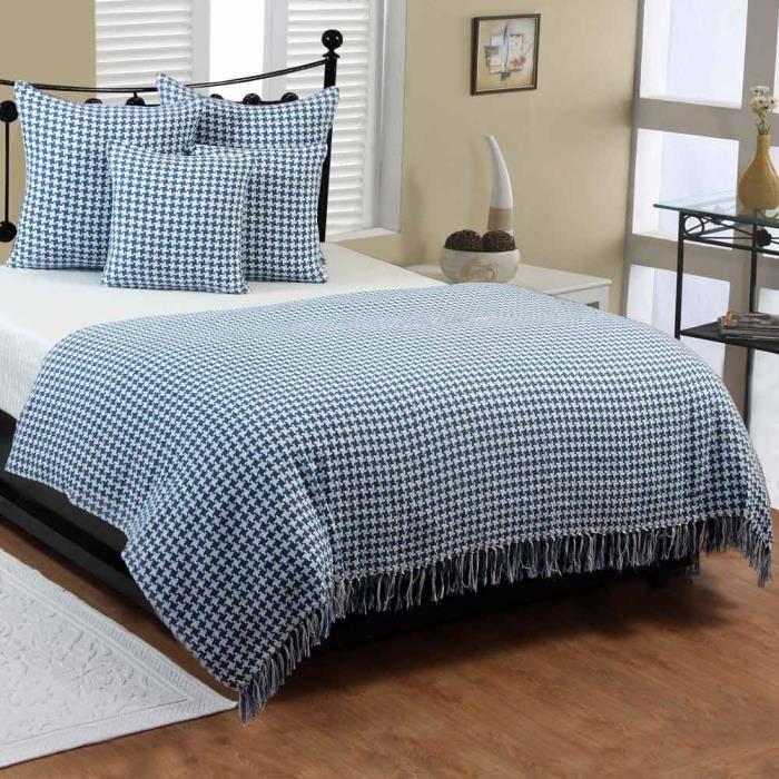 jet de lit ou de canap figure g om trique bleu 150 x 200 cm achat vente jet e de lit. Black Bedroom Furniture Sets. Home Design Ideas